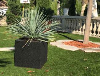 tabouret / jardiniere cube