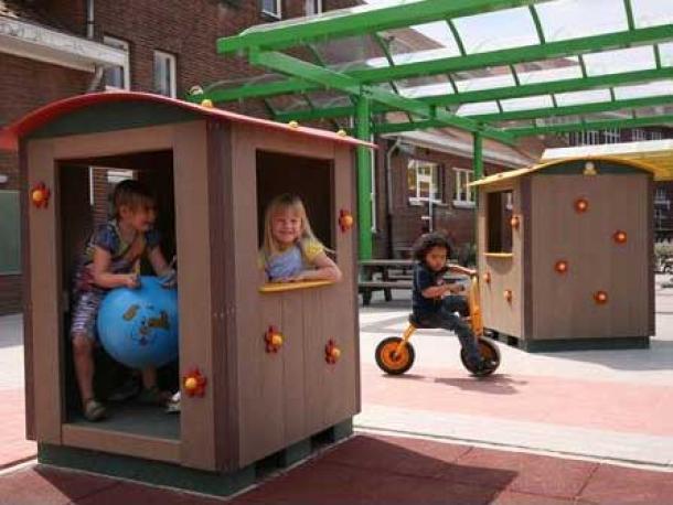 cabane cube 1/12 ans govaplast gp01