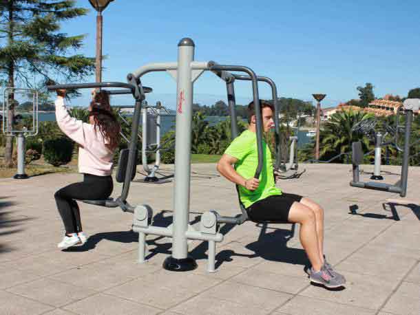 fitness élévateur et flexion des bras