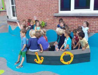 bateau pirate petit gp02 plastique recycle govaplast 1/12 ans