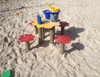 table+tabourets sandy gp03 plastique recyclé govaplast 1/12 ans