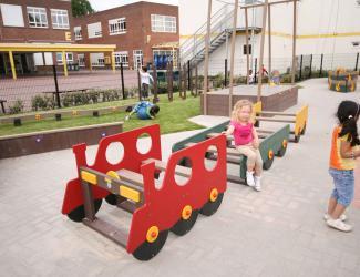 petite locomotive rouge plastique recyclé govaplast gp 25a 1/12 ans