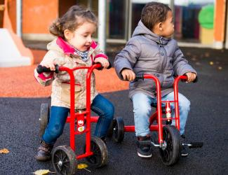 tricycle a pedales maternelle 2/5 ans