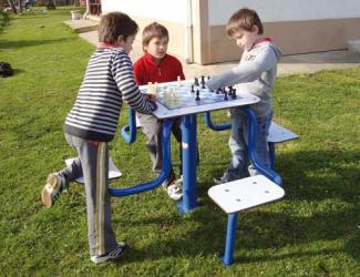 table de jeux echecs/ chevaux