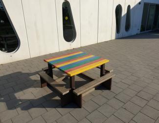 table pique nique carre gp39 en plastique recycle multicolore primaire/adulte