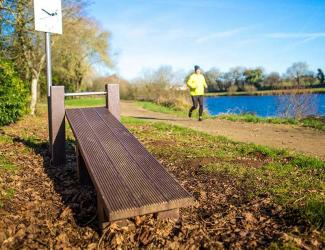 parcours sportif -  plastique recycle - planche abdo incline