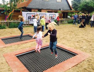 trampoline rectangle - 3 ans et +