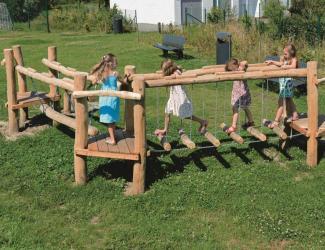 parcours d'agilite en bois robinier - 4/12 ans
